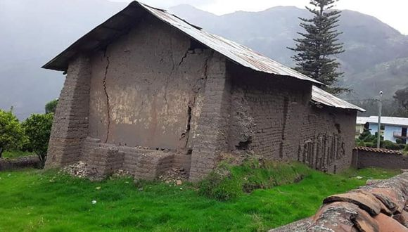 Las familias afectadas fueron evacuadas de la zona. El fenómeno se registró en la provincia de Pomabamba, en la región Áncash. (Foto: Andina)