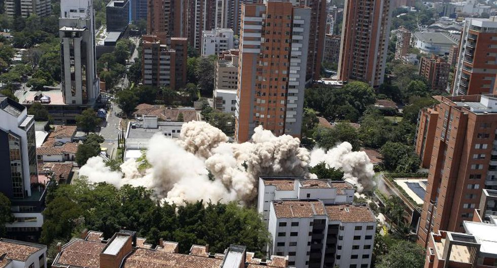 Derrumban el edificio Mónaco de Pablo Escobar en Colombia. (Foto: EFE)