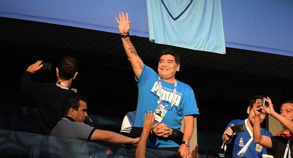 Maradona publicó un mensaje en redes sociales negando que haya sido internado luego de la clasificación de Argentina (Foto: AFP)