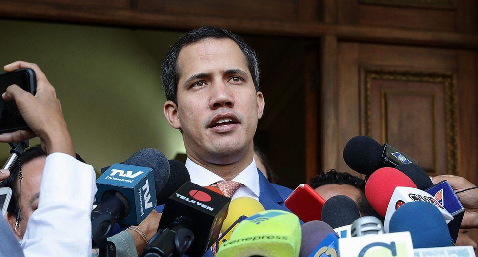 El presidente de la Asamblea Nacional de Venezuela, Juan Guaidó, ofrece declaraciones a la prensa este miércoles después de una sesión permanente en el Palacio Federal Legislativo de Caracas (Venezuela). (Foto: EFE)