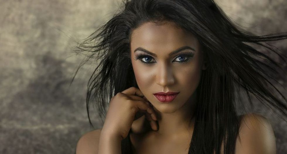 Tener una cabellera sana, limpia, brillosa y sin frizz es el deseo de toda mujer. (Foto: Pixabay)