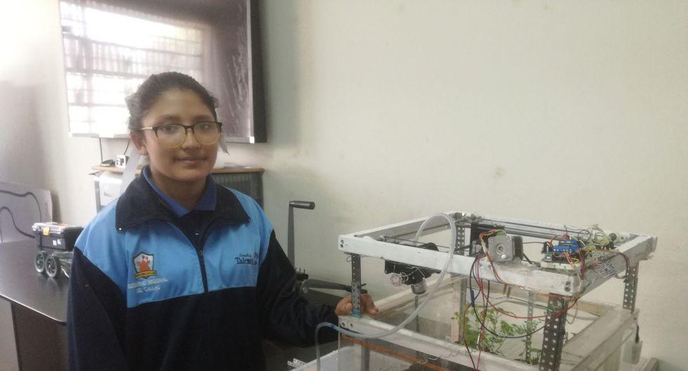 María del Carmen creó un invernadero que permite tener cultivos en los espacios desperdiciados de nuestros techos. Foto: Cortesía