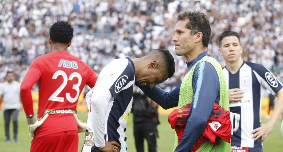 Los jugadores de Alianza Lima abandonaron cabizbajos el campo de Matute tras perder la final | Foto: GEC