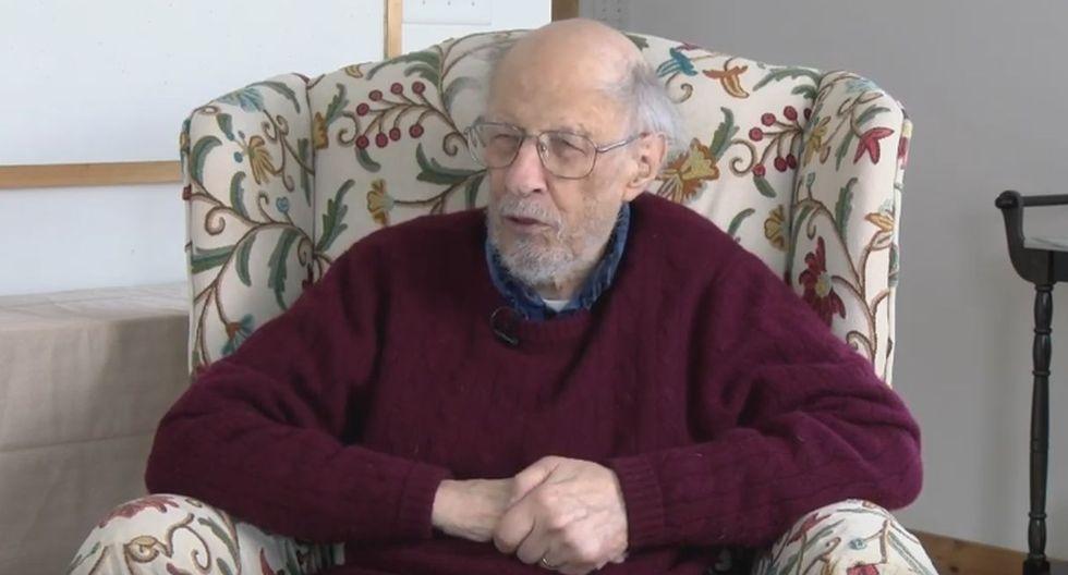 Corbató en medio de la Segunda Guerra Mundial fue reclutado por la Marina como técnico de electrónica. (Foto: Captura de video)