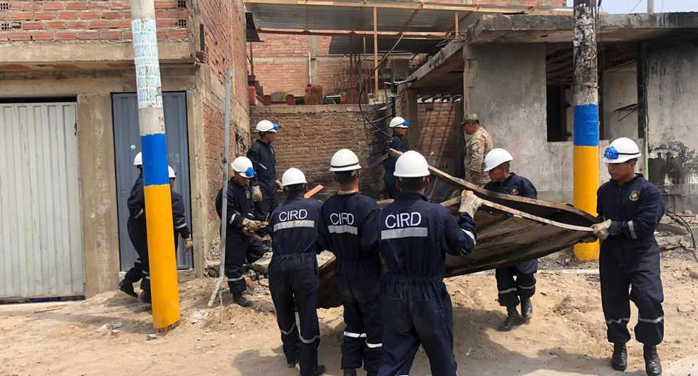 Desde horas de la mañana, el Ejército del Perú, a través de la 1a Brigada Multipropósito, llegaron a la zona afectada para continuar con las labores de limpieza y demolición. (Foto: Ejército del Perú)