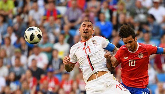 Costa Rica intentó hasta el final pero no pudo imponerse ante Serbia (Foto: AFP)