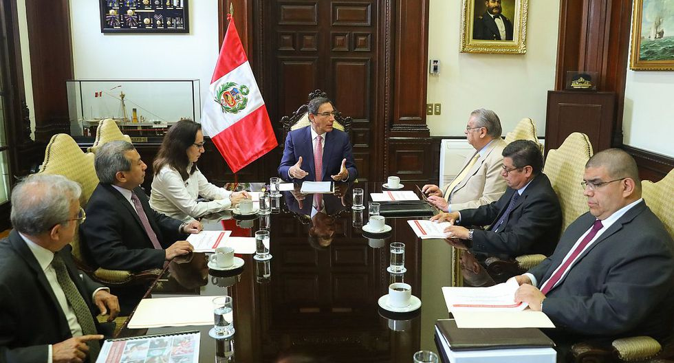 El presidente Martín Vizcarra recibió a la comisión presidida por Allan Wagner. (Foto: Difusión)