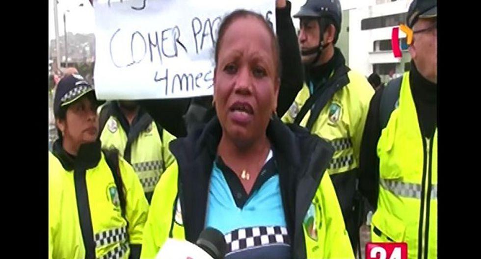 Los agentes realizaron una protesta para denunciar la falta de pago de sus remuneraciones (Foto: Captura 24 horas)