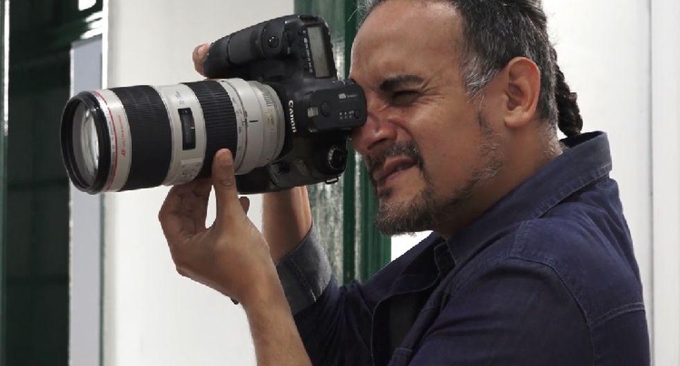 Es un fotógrafo que ha logrado retratar a grandes personalidades del teatro y de la política peruana.