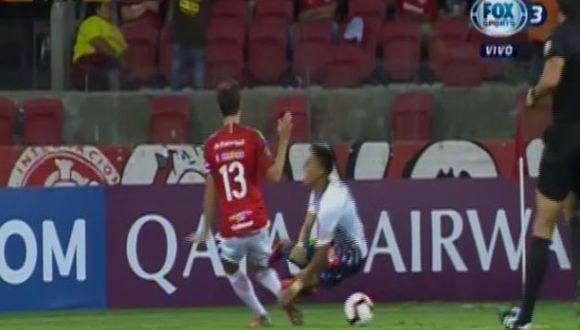 La caída de Manzaneda por la que reclamó penal para Alianza Lima. (Captura: Fox Sports)