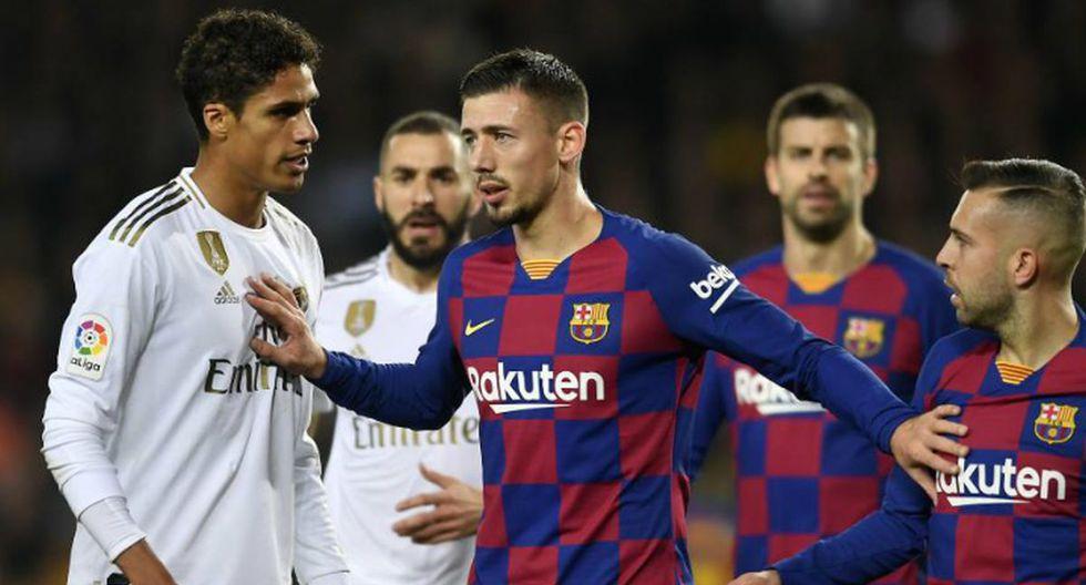 El partido entre el Barcelona y Real Madrid estuvo detenido por un tiempo debido al lanzamiento de balones al campo. (Foto: Agencias)