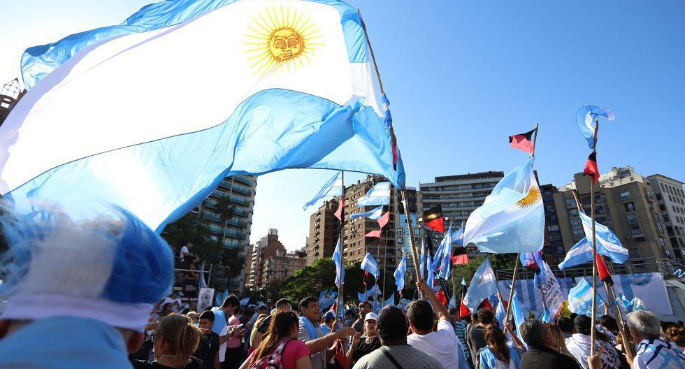 Octubre: datos revelaron que la pobreza en Argentina había aumentado de 32% a 35.4% en el primer semestre del año. (Foto: EFE)