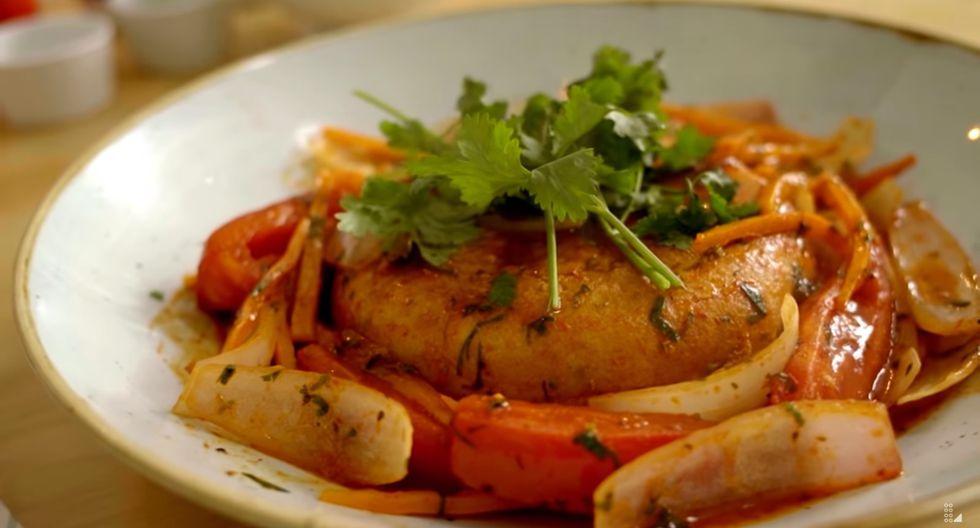 La huevera combina perfectamente con cebolla, tomate y ají amarillo. (Foto: Captura de video / YouTube Latina)