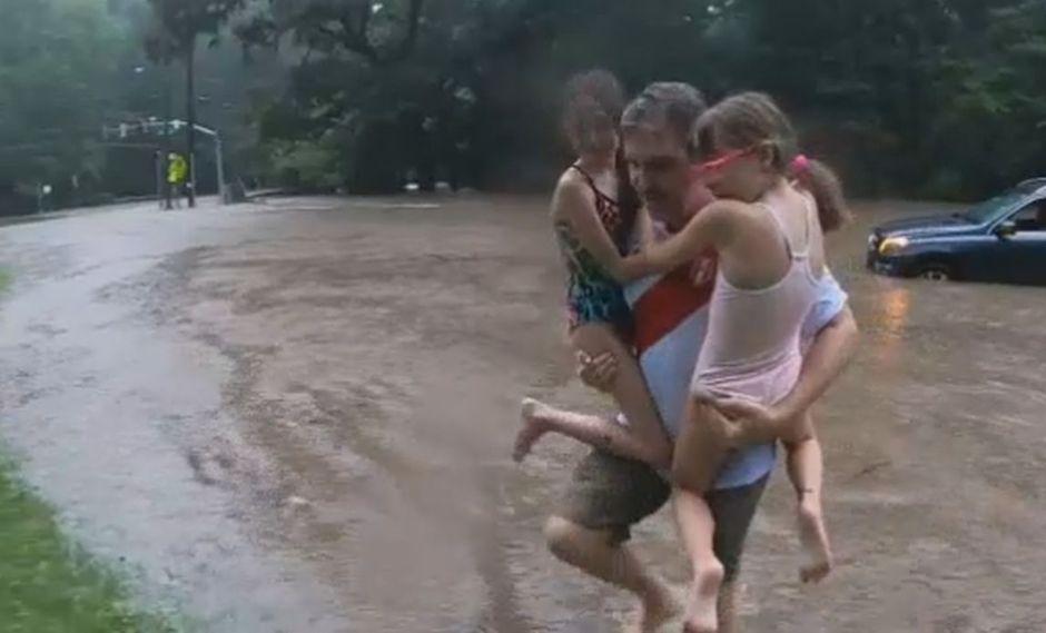 EE.UU.: Padre rescata a sus hijas de fuerte inundación en Maryland | VIDEO