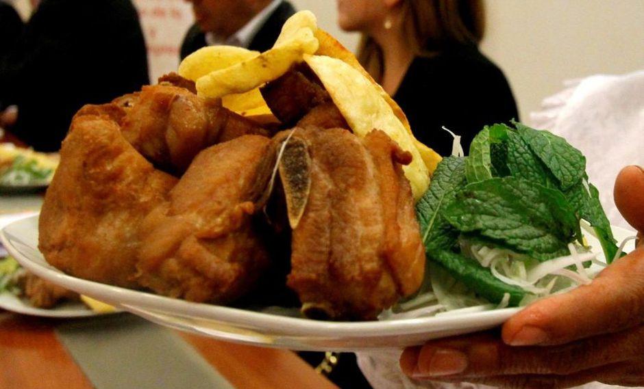 Celebran el Día del chicharrón del cerdo peruano con festival gastronómico