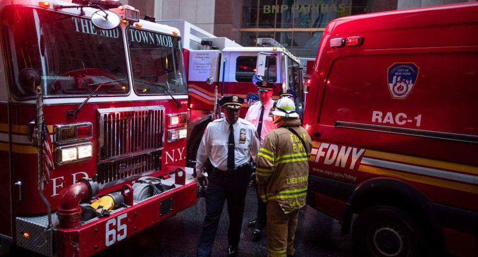 El Departamento de Policía de Nueva York informó de que el suceso tuvo lugar a las 13:43 hora local (17:43 GMT) a la altura del número 787 de la séptima avenida, con la calle 51. (Foto: AFP)