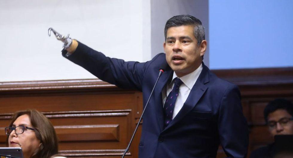 """Luis Galarreta llamó """"presidente Vizcarra"""" a Daniel Salaverry. (Foto: Congreso)"""