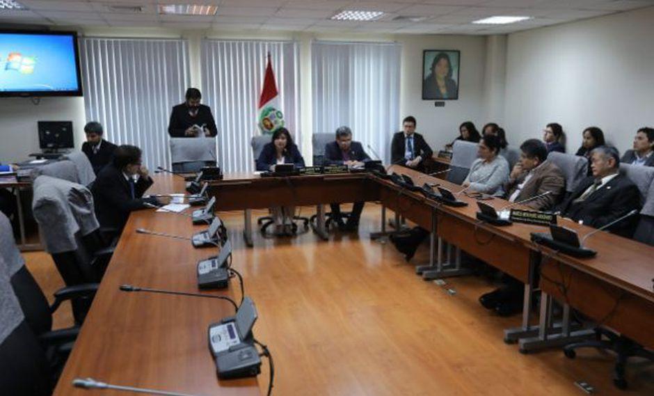 La Comisión de Ética aprobó el informe que recomienda suspender a Daniel Salaverry por 120 días. (Foto: GEC)