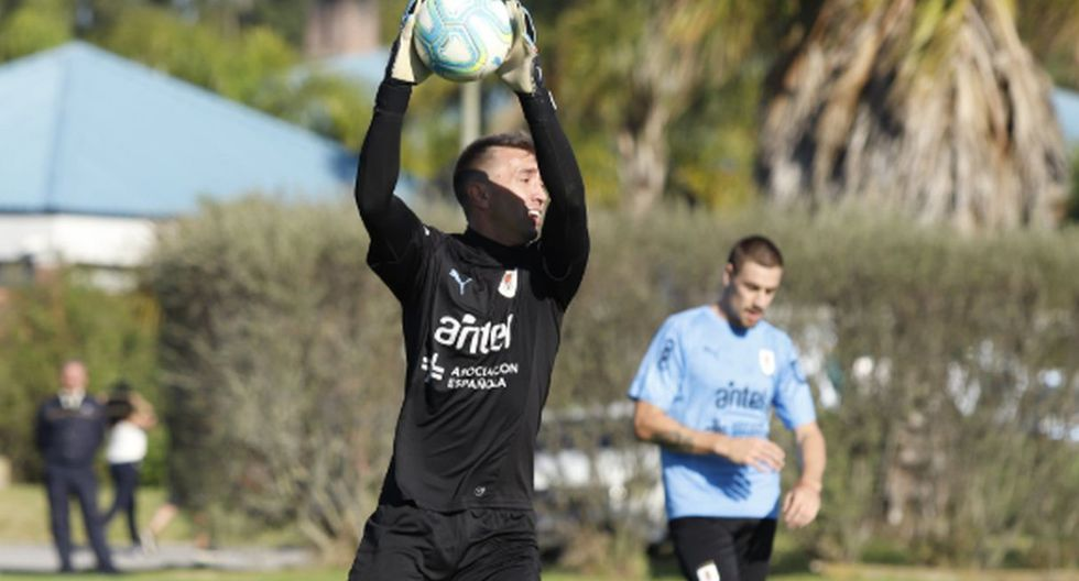 Uruguay seguirá sus trabajos este miércoles con un entrenamiento a doble turno. (Foto: Twitter @Uruguay)