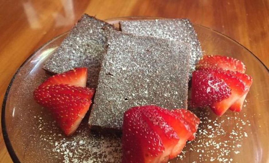 Estudiantes mexicanas crean harina hecha de saltamontes contra la desnutrición