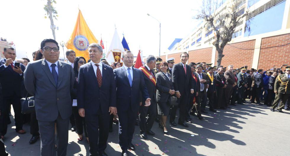 El canciller Néstor Popolizio, los ministros Vicente Zeballos, Jorge Mosocos, y otras autoridades, acompañaron a Martín Vizcarra. (Difusión)