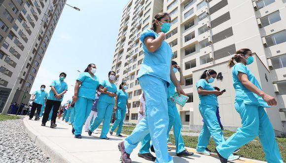 Unos 250 profesionales de la salud fueron capacitados para atención de pacientes de coronavirus, informó EsSalud. (Foto: Difusión)