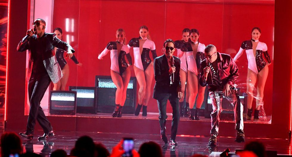 """Grammy Latino 2018: Marc Anthony, Will Smith y Bad Bunny interpretaron en vivo por primera vez """"Está rico"""" (Foto: AFP)"""