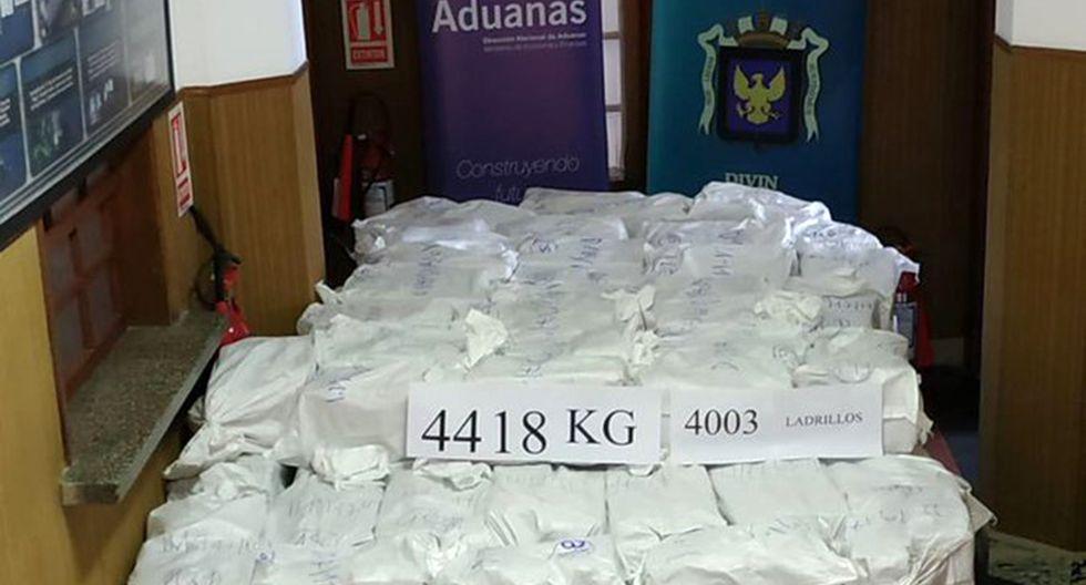 Los 4.418 kilos de cocaína tendría un valor en el mercado europeo de más de mil millones de dólares. (Foto: Twitter @Armada_Uruguay)