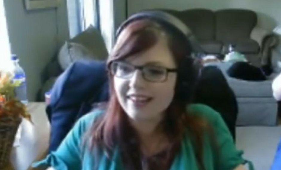 Ella hacía una transmisión en Twitch sin pensar que su pareja le iba a dar la sorpresa más grande de su vida
