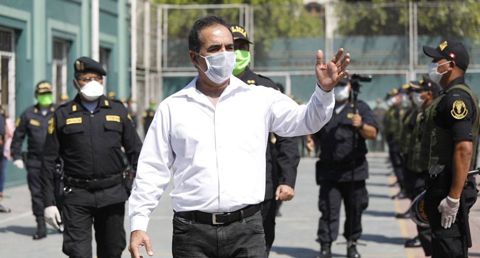 Ministro del Interior informó que el comisario de Canto Rey y los otros policías intervenidos fueron separados de sus cargos mientras dure investigación. (Foto: Diana Marcelo)
