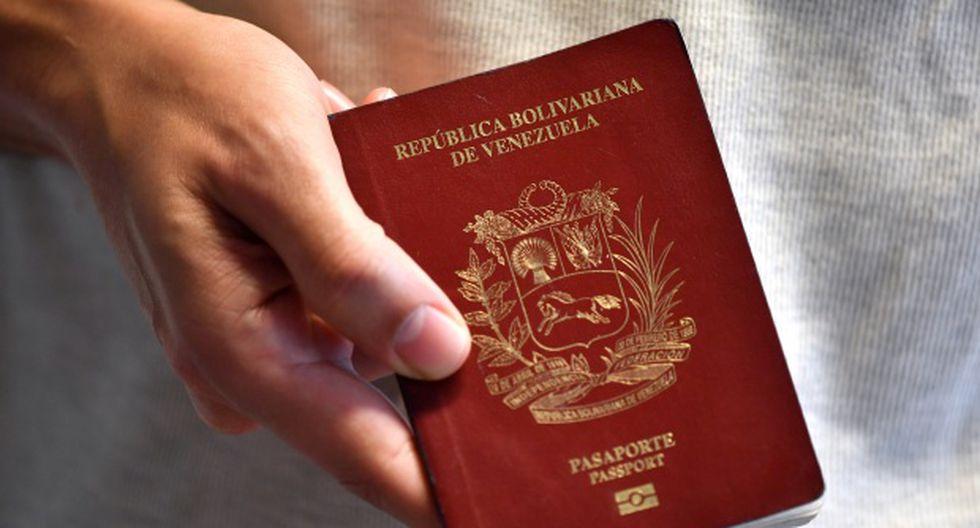Venezuela tiene un deficiente servicio de identificación que ha llevado a un limbo a innumerables personas en el exterior que no han podido renovar sus pasaportes. (Foto: AFP)