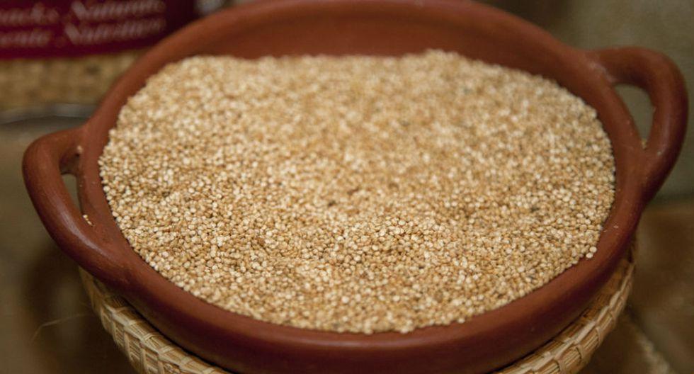 1.Quinua: Posee un excepcional equilibrio entre proteínas, grasas y aminoácidos, y es rica en minerales. Se le considera muy nutritiva y saludable. (Fuente: Wikipedia)