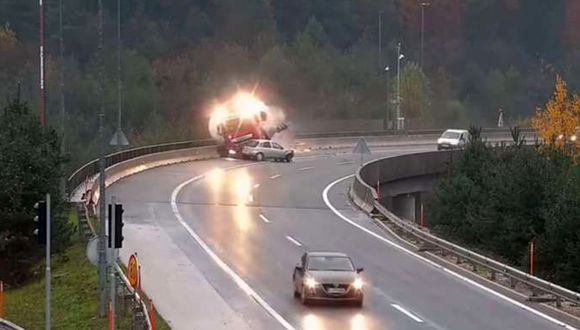 Trágico accidente en Eslovenia. (Foto: Captura de video)
