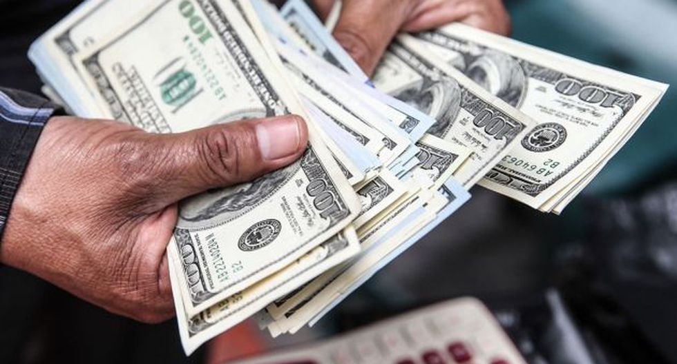 Precio del dólar avanza frente al sol (Foto: Andina)