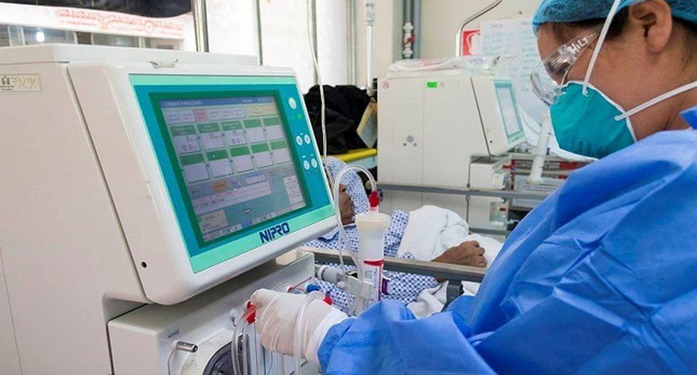 La jefa del SIS, Doris Lituma, precisó que los recursos transferidos son para la cobertura del tratamiento integral de pacientes con insuficiencia renal crónica así como para los siete tipos de cáncer más comunes. (Foto: Minsa)