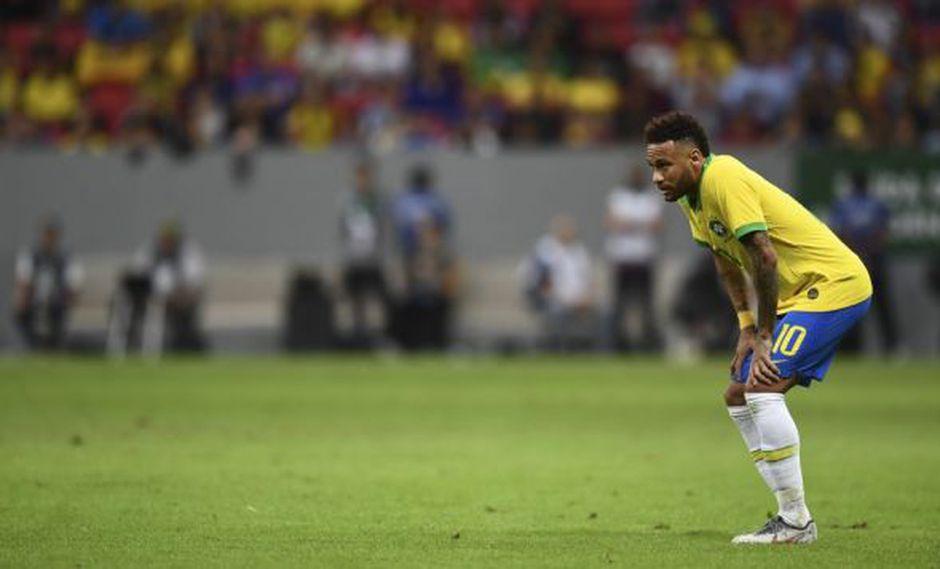 Neymar se retiró entre lágrimas del amistoso que disputaron Brasil y Catar. (Foto: AFP)