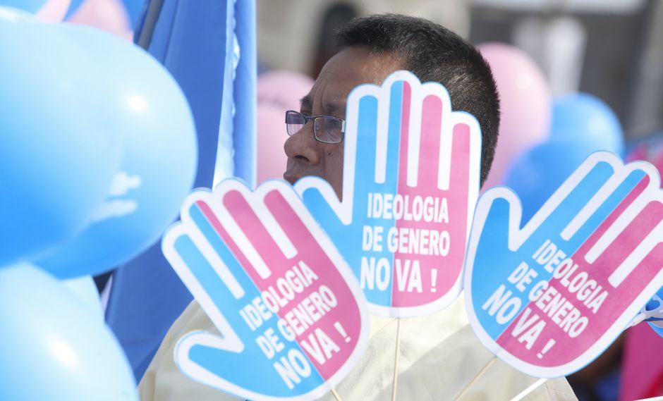 Colectivo Madres en Acción señaló que los grupos conservadores 'Con Mis Hijos No Te Metas' y 'Padres en acción' incurren en delito de calumnia. (Foto; GEC)