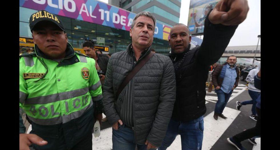 Así fue la llegada de Pablo Bengoechea para ponerse el buzo de Alianza Lima. (Foto: Violeta Ayasta / GEC)