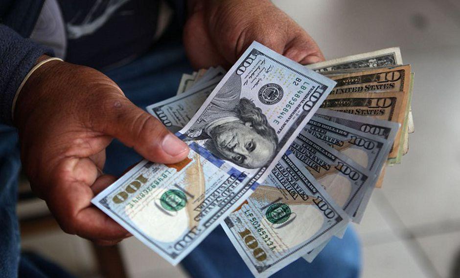 Precio del dólar sube ligeramente frente al sol (Foto: Andina)