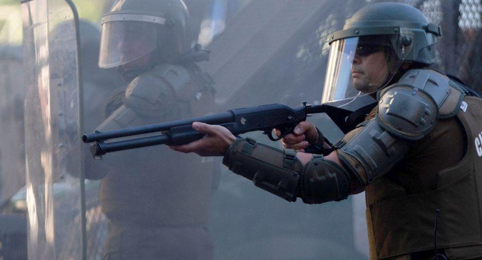 Policía chilena investiga nuevos disparos de perdigones pese a suspensión. (AFP)