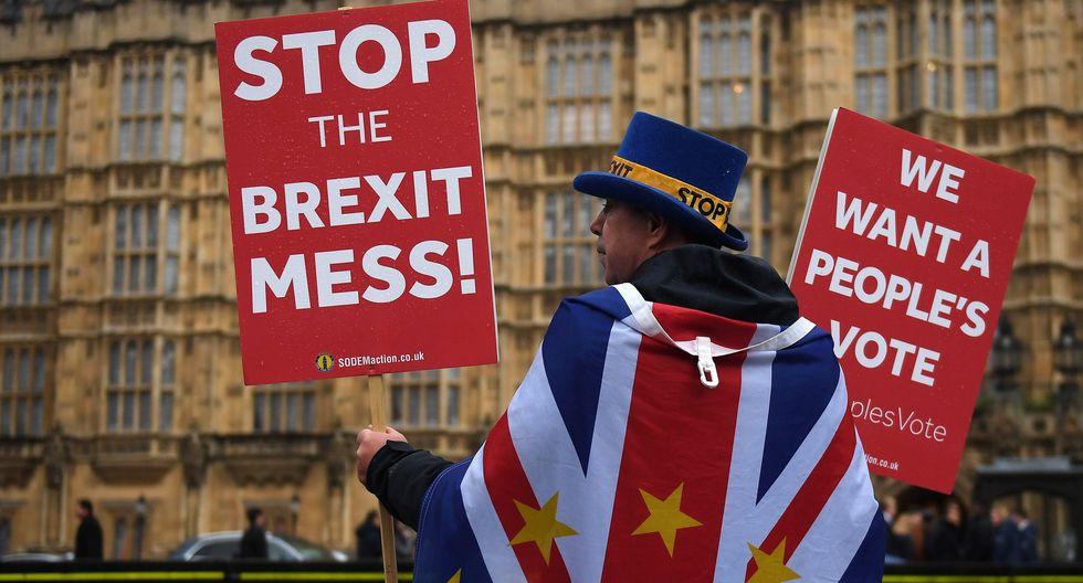 7. Brexit: A solo tres meses de la salida oficial de la Unión Europeo, la primera ministra británica Theresa May aún no logra un acuerdo que sea del agrado de todos. Esto ha generado incertidumbre en los mercados. (Foto: EFE)