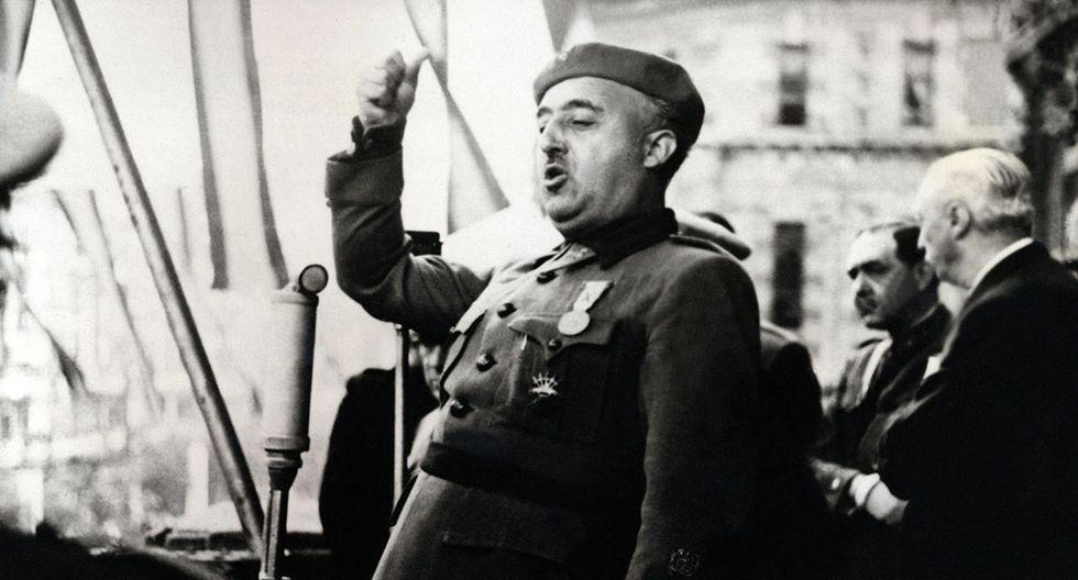 El dictador español, general Francisco Franco, da un discurso en Bilbao en 1939. (Foto: AFP/Archivo)