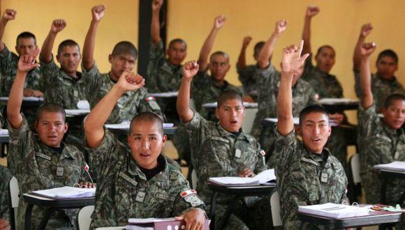 El Ministerio de Defensa señala que se están dando mejores incentivos para atraer a los jóvenes. (Foto: USI)