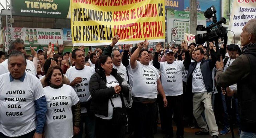 Comerciantes del Mercado de Productores de Santa Anita denuncian miles de pérdidas económicas. (Foto: R. López)