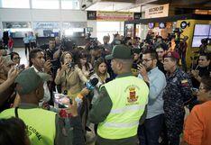Enfrentamientos en aeropuerto de Caracas a la espera de Guaidó
