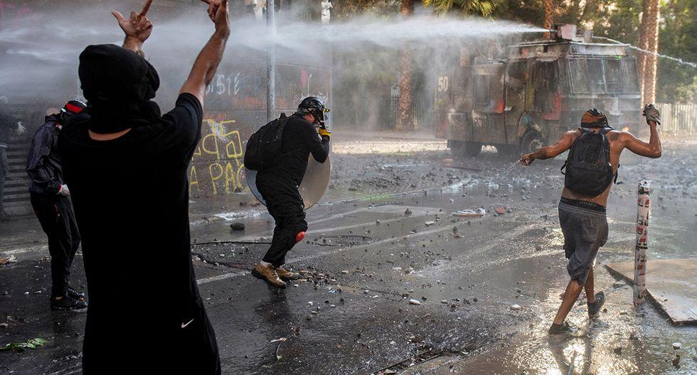 Las protestas en las calles de Santiago se tornaron violentas. (Foto: AFP)