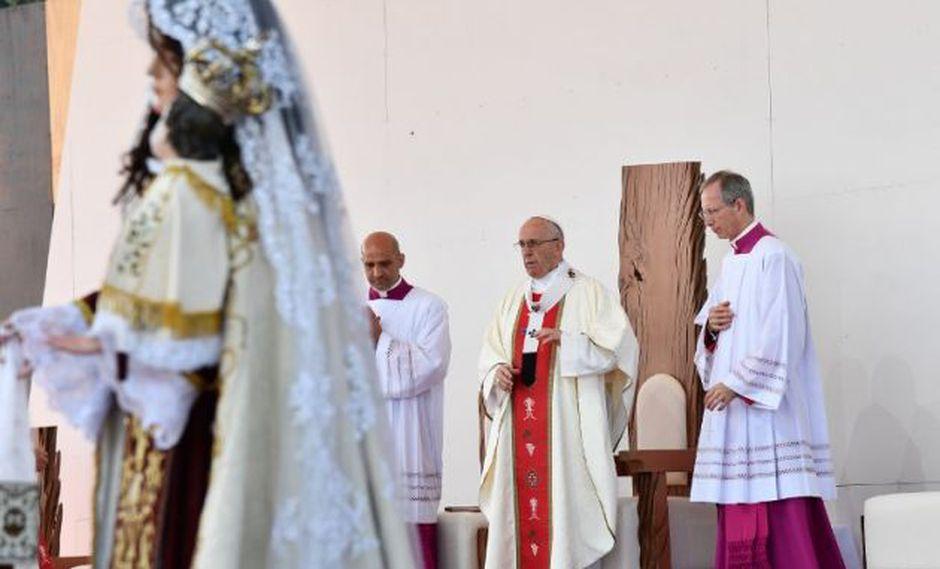 Papa Francisco dedica misa en Temuco a víctimas de la dictadura de Pinochet
