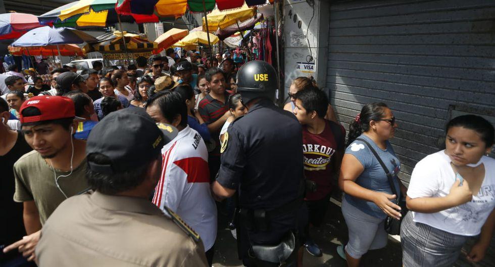 Largas colas para el acceso y supervisión en locales durante segundo día de reapertura de Gamarra (Fotos: Mario Zapata)
