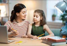¿Cuánto ayudan las redes sociales a padres, maestros y alumnos?