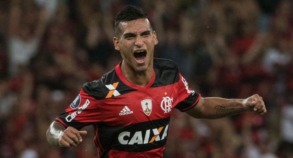 Miguel Trauco participó en dos partidos de Flamengo en la presente edición de la Copa Libertadores. (Foto: AFP)